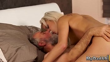 daddy a man married fucks Esposos trio casero