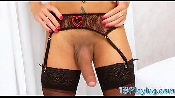 arab her webcam on masturbating Je baise un cheval