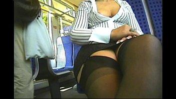 mature blouse down Mujeres comiendo mierda