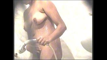 actres tamil sri divya Mom boob pres