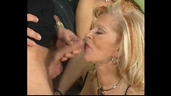 wife my screwing best friend Milf chikan xxx