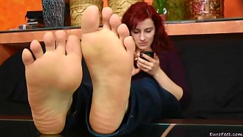 candid airport feet Massage oil surprise