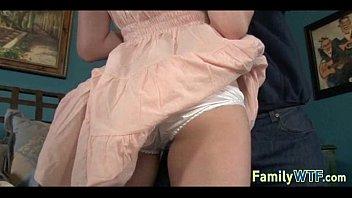 dad watching black daughter Cewek sekxx ampe kencing yanx bisa di liat