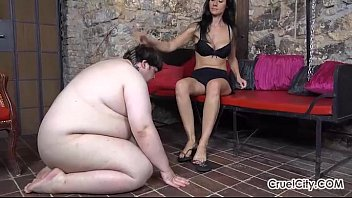 di worship hj feet German utheral saunding handjob