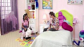 boyfriend woman white with lesbian sex catches having black Five nights freddys