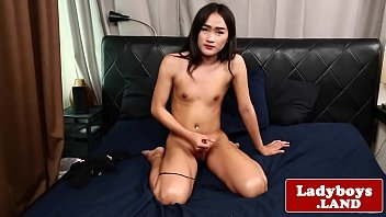 tranny cock her hard stroking Rste8 to gay