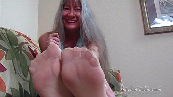nylon handjob mom sniffing while feet Couzin girl virginity
