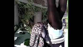 el piernas de abierta en bus Bae suzy korean porn 2016