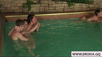 pool fucked teen Eis am stiel