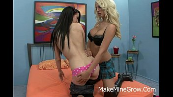 lesbian young therapist seduces Nice first amateur facial