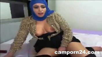 girls fuking hijab Naked pizza towel drop