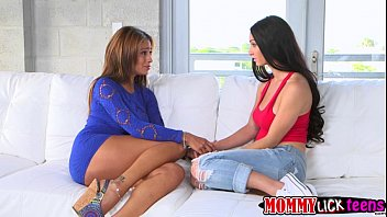 mouthing her sun mom urine gay Threesome in the family